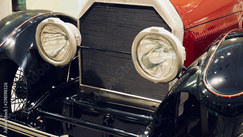 Foto op Aluminium Vintage cars Old car headlights, Round headlights