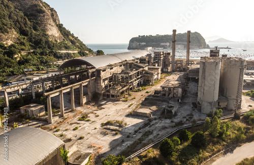 Montage in der Fensternische Südeuropa Abandoned Factory and powerplant