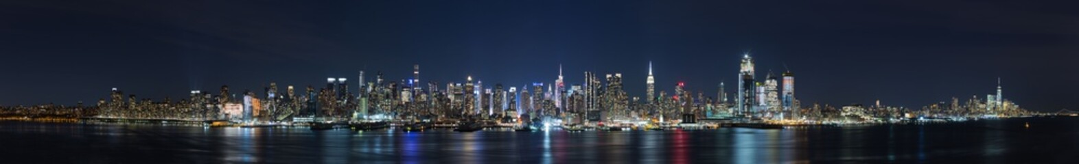 Panoramic view of the night in Manhattan, cityscapes of New York, USA