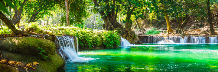 Panel Szklany Natura Wide panorama beautiful fresh green nature scenic landscape waterfall in deep tropical jungle rain forest, Famous landmark outdoor travel Saraburi Thailand, Spring background, Tourism destination Asia