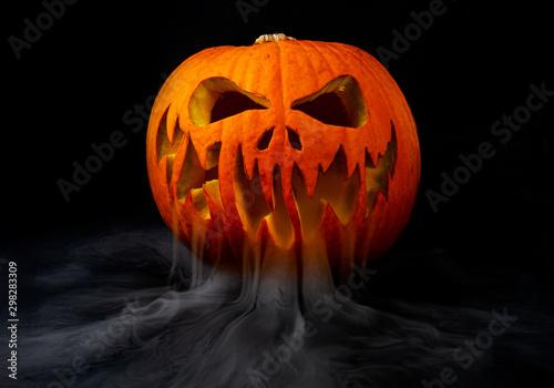 Bouche Citrouille Halloween.Citrouille D Halloween Avec Fumee Dans La Bouche Stock Photo Adobe Stock