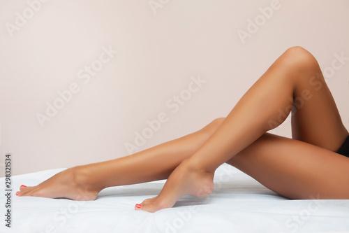 Valokuvatapetti Woman body care