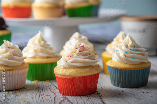 Photo  cupcake images in colorful cup