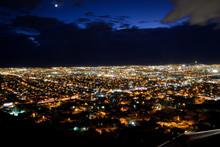 Panoramica Nocturna De La Ciud...