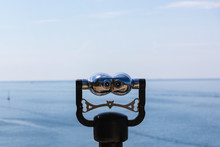 Coin-operated Binoculars Overl...