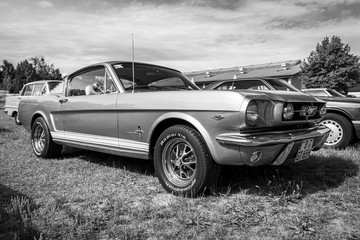 Pony car Ford Mustang (firs...