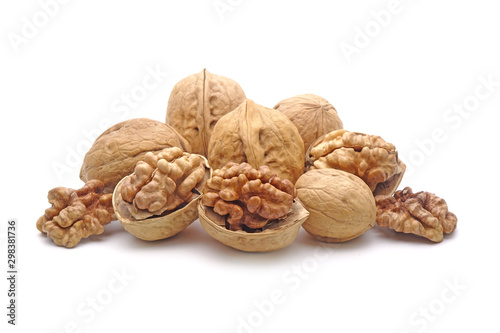 Cuadros en Lienzo  walnuts isolated on white background