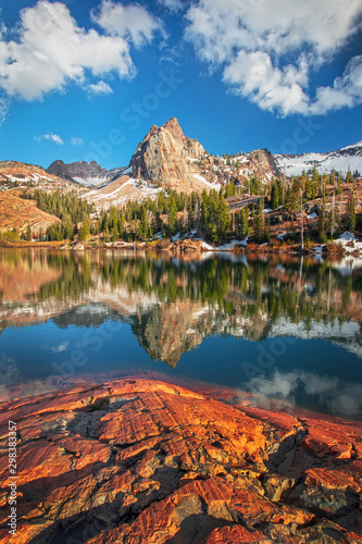Cuadros en Lienzo Classic reflection at Lake Blanche, Utah, USA.