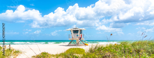 Canvas Print Panorama with lifeguard tower on the beach in Fort Lauderdale, Florida USA