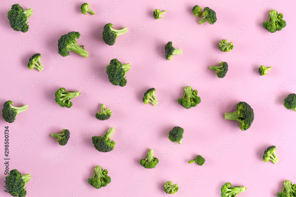 Fototapety, obrazy: Broccoli pattern isolated on pink top view
