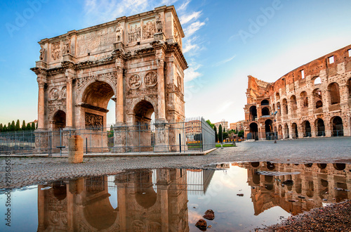 Arch of Constantine and Colosseum in Rome, Italy Billede på lærred