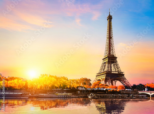 Poster de jardin Paris Seine in autumn