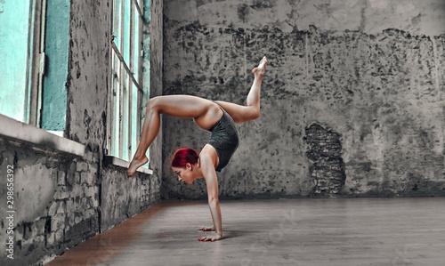 Yoga - 298656392