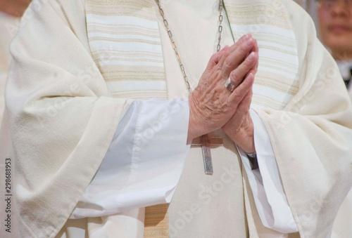 betender priester Fototapete