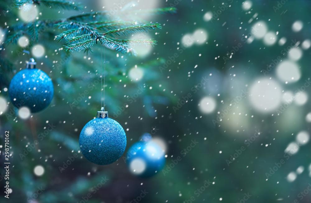 Fototapety, obrazy: blue Christmas balls on Christmas tree branches background