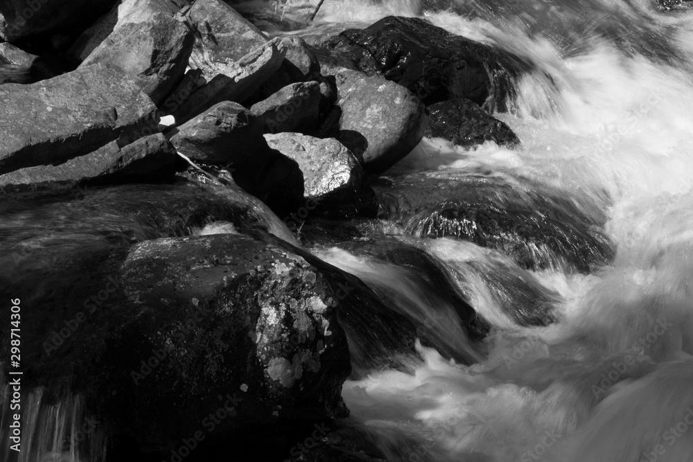 Fototapeta Waterfall in black and white