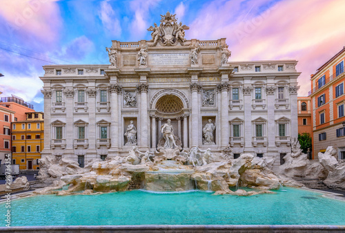 Canvas Print View of Rome Trevi Fountain (Fontana di Trevi) in Rome, Italy
