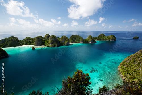 Fond de hotte en verre imprimé Bleu vert Picuresque landscape Wajag island, Raja Ampat, Indonesia
