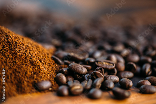 Tuinposter Cafe coffee beans with cocoa powder with motion blur