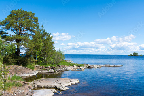 Valokuva  Coast of the island of Valaam on Ladoga lake