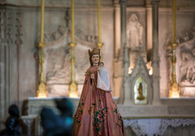 Holy Mary And Child Statue In ...