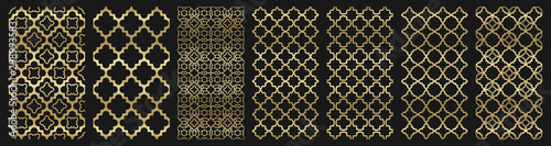 Photo Arabic seamless pattern with golden islamic ornament pack on black background
