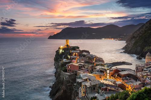 Foto auf Leinwand Rosa dunkel Cinque Terre Liguria Italy