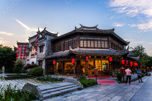 Staande foto Oude gebouw Taierzhuang is located in Zaozhuang in Shandong, is the largest water town in China. Historically, it was an important hub along the Grand Canal, China.