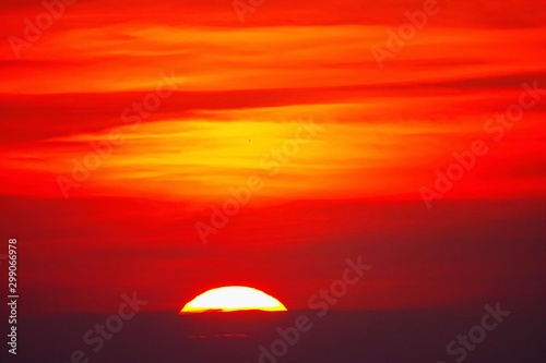 Montage in der Fensternische Rot Big sun Sunset sky orange sky orange outdoor summer nature sunset over sea