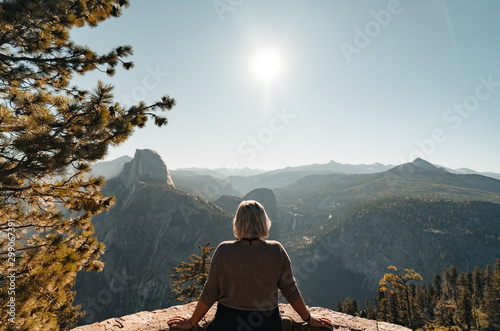 Photo  Yosemite Valley View with Half Dome and Waterfalls in the Background