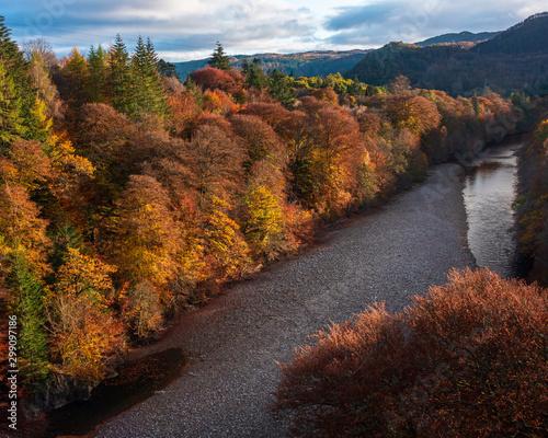 Foto op Aluminium Diepbruine Autumn on the River Garry near Pitlochry