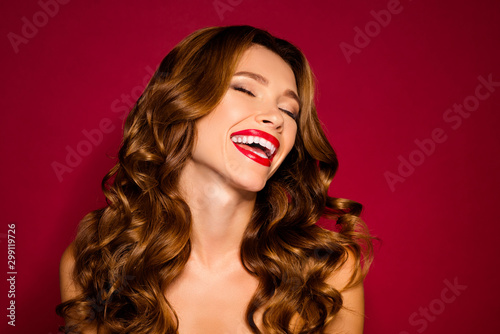 Canvas Print Close-up portrait of her she nice attractive cheerful cheery dreamy wavy-haired