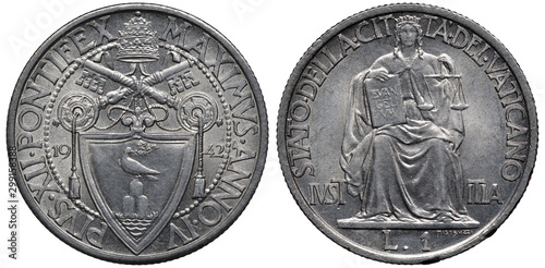 Vatican City coin 1 one lira 1942, ruler Pope Pius XII, crossed keys above shiel Wallpaper Mural