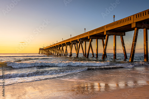 Obraz Johnnie Mercers Fishing Pier at sunrise in Wrightsville Beach east of Wilmington,North Carolina,United State. - fototapety do salonu