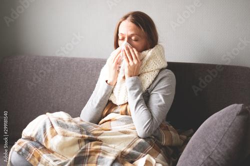 Valokuvatapetti Disease
