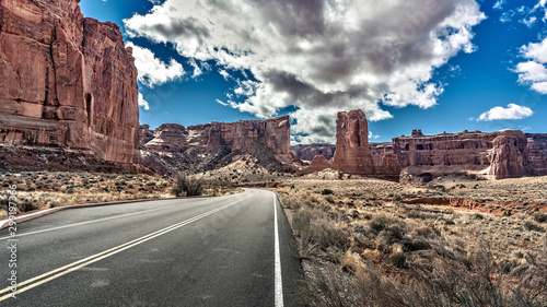 Poster Gris Scenic view of Arches National Park from the scenic byway in Moab, Utah, USA.