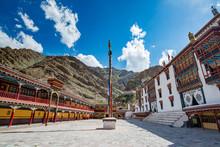 View If Tibetan Hemis Monaster...