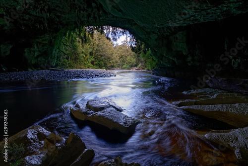 Photo  Moira Gate Arch at Oparara basin, Kahurangi National Park, New Zealand