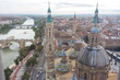 Vista de la Basílica Catedral de Nuestra Señora del Pilar en Zaragoza, España