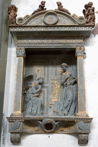 фотография FLORENCE, TUSCANY/ITALY - OCTOBER 19 : Annunciation by Donatello in Santa Croce