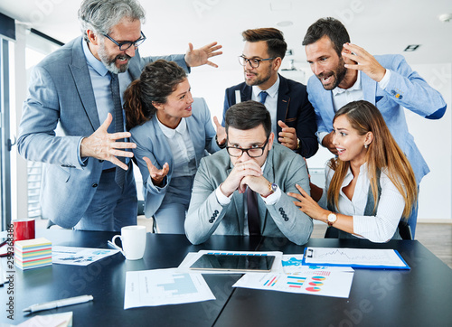 businessman stress overwhelmed work problem team argue conflict problem Tapéta, Fotótapéta