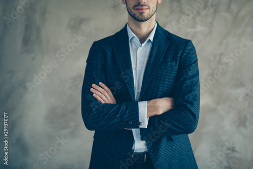 Pinturas sobre lienzo  Cropped photo of confident cool businessman cross his hands ready to decide deci