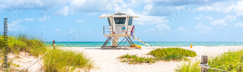 Cuadros en Lienzo Panorama with lifeguard tower on the beach in Fort Lauderdale, Florida USA