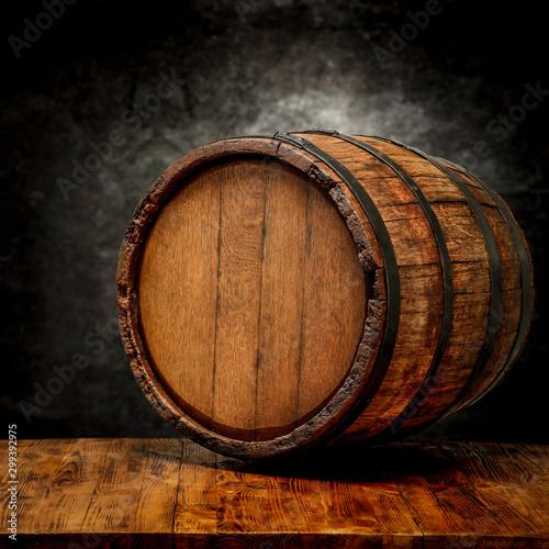 Fotografia Wooden retro dark barrel and free space for your decoration.