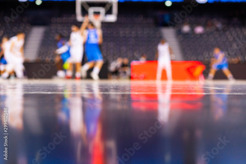 Fotografía blurred background of basketball players on court during game - very shallow dep