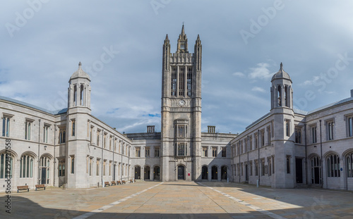 Aberdeen / Szkocja - 29 sierpień 2019: Marischal College w Aberdeen Canvas Print