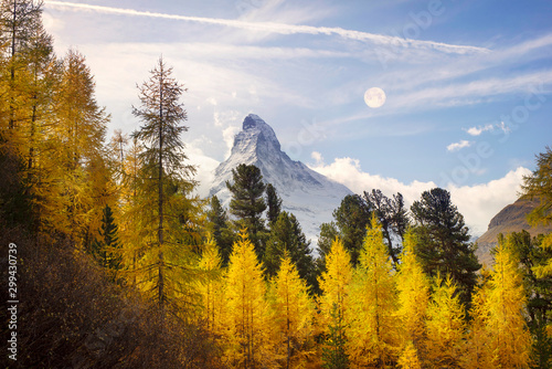 Montage in der Fensternische Honig Matterhorn and Autumn