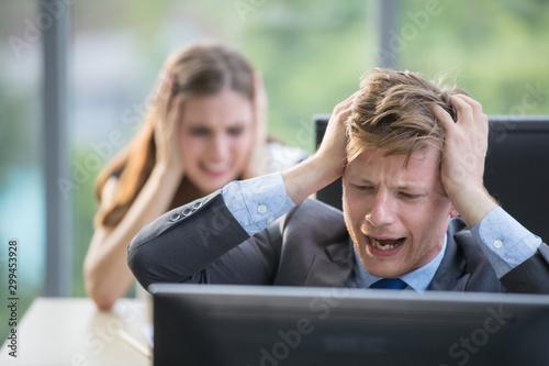 Pinturas sobre lienzo  Man throwing computer screen at female co-worker..