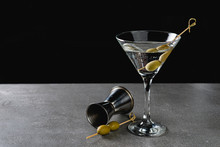 Drink Dry Martini With Green O...