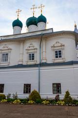 Fototapeta na wymiar Annunciation cathedral of Nikitsky Monastery in Pereslavl-Zalessky, Russia. Golden ring of Russia